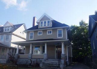 Casa en ejecución hipotecaria in Cleveland, OH, 44106,  E 109TH ST ID: F4509081