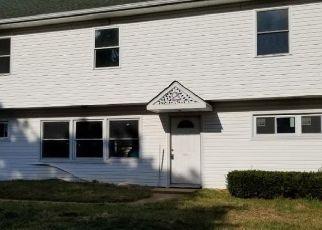 Casa en ejecución hipotecaria in Levittown, PA, 19056,  LONG LOOP RD ID: F4509680