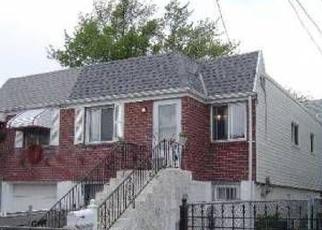 Casa en ejecución hipotecaria in Arverne, NY, 11692,  ALMEDA AVE ID: F4509707