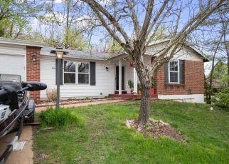 Casa en ejecución hipotecaria in Fenton, MO, 63026,  GREEN FOREST DR ID: F4509967