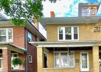 Casa en ejecución hipotecaria in Allentown, PA, 18104,  N 21ST ST ID: F4510061