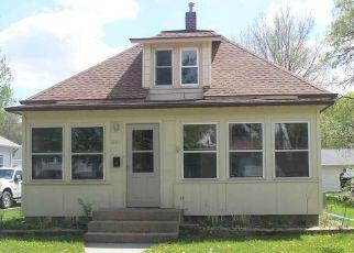 Casa en ejecución hipotecaria in Mitchell, SD, 57301,  E 4TH AVE ID: F4511267