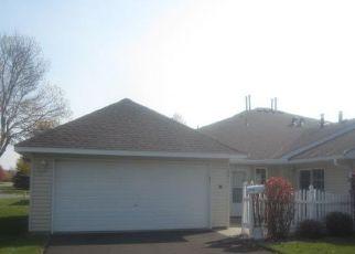 Casa en ejecución hipotecaria in Elk River, MN, 55330,  KING CT NW ID: F4512255