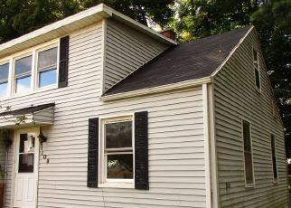 Casa en ejecución hipotecaria in Paw Paw, MI, 49079,  S LIBERTY ST ID: F4512264
