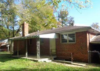 Casa en ejecución hipotecaria in Suitland, MD, 20746,  MEADOWBROOK DR ID: F4512820