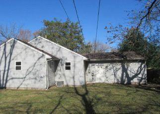 Casa en ejecución hipotecaria in Champaign, IL, 61820,  W MAPLE ST ID: F4513937