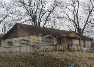 Casa en ejecución hipotecaria in Carthage, MO, 64836,  GROVE ST ID: F4514331