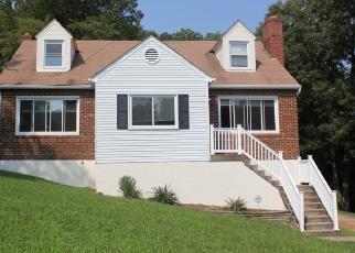 Casa en ejecución hipotecaria in Temple Hills, MD, 20748,  S BARNABY RD ID: F4514579