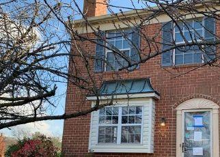 Casa en ejecución hipotecaria in Gilbertsville, PA, 19525,  VILLAGE GREEN DR ID: F4516537