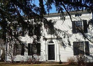 Casa en ejecución hipotecaria in Simsbury, CT, 06070,  BUSHY HILL RD ID: F4517314