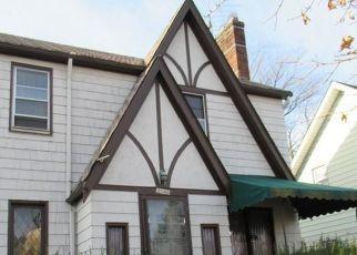 Casa en ejecución hipotecaria in Lakewood, OH, 44107,  OLIVE AVE ID: F4517400