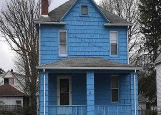 Casa en ejecución hipotecaria in Binghamton, NY, 13903,  PEARL AVE ID: F4517582