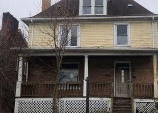 Casa en ejecución hipotecaria in Clairton, PA, 15025,  HALCOMB AVE ID: F4518400