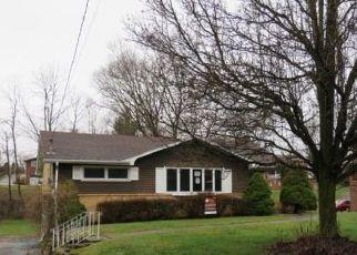 Casa en ejecución hipotecaria in Bethel Park, PA, 15102,  BERRYMAN AVE ID: F4518422