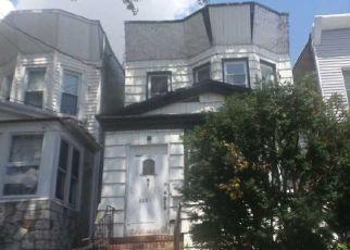 Casa en ejecución hipotecaria in Woodhaven, NY, 11421,  88TH AVE ID: F4518651
