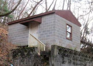 Casa en ejecución hipotecaria in Pittsburgh, PA, 15212,  LANGTRY ST ID: F4519994