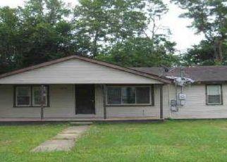 Casa en ejecución hipotecaria in Poplar Bluff, MO, 63901,  S D ST ID: F4521244