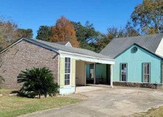 Foreclosure Home in Baton Rouge, LA, 70816,  DEER LAKE AVE ID: F4521338
