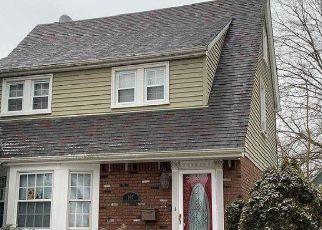 Casa en ejecución hipotecaria in Williston Park, NY, 11596,  CAMPBELL AVE ID: F4521568