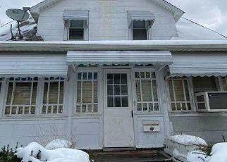 Casa en ejecución hipotecaria in Mineola, NY, 11501,  MAPLE PL ID: F4521569