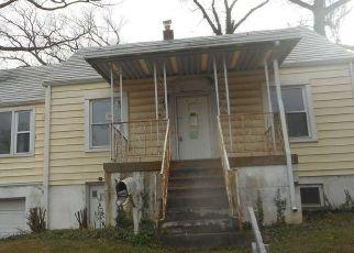 Casa en ejecución hipotecaria in Suitland, MD, 20746,  MAPLE RD ID: F4521649
