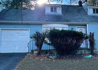 Casa en ejecución hipotecaria in Danbury, CT, 06810,  VIRGINIA AVE ID: F4522659