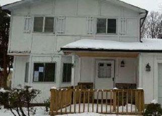 Casa en ejecución hipotecaria in Shirley, NY, 11967,  MORICHES MIDDLE ISLAND RD ID: F4522691