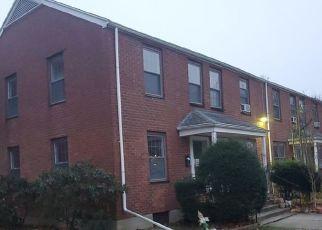 Casa en ejecución hipotecaria in Bridgeport, CT, 06610,  MENCEL CIR ID: F4523144