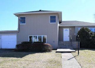 Casa en ejecución hipotecaria in Seaford, NY, 11783,  ARTHUR AVE N ID: F4524915