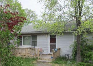 Casa en ejecución hipotecaria in North Babylon, NY, 11703,  CHERUBINA LN ID: F4526192