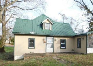 Casa en ejecución hipotecaria in Mountain View, MO, 65548,  E 2ND ST ID: F4526685