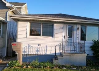 Casa en ejecución hipotecaria in Buffalo, NY, 14218,  WARSAW ST ID: F4527002