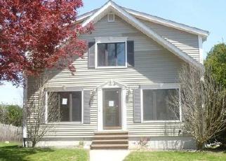 Foreclosed Homes in Cranston, RI, 02921, ID: F4527023