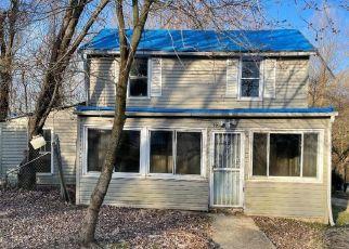 Casa en ejecución hipotecaria in Capitol Heights, MD, 20743,  OLD WALNUT ST ID: F4527360
