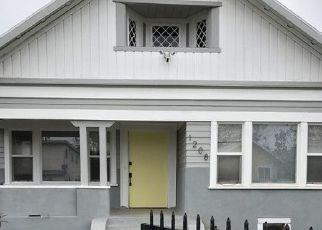 Casa en ejecución hipotecaria in Los Angeles, CA, 90037,  W 38TH ST ID: F4528134