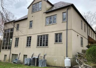 Foreclosure Home in Greenwich, CT, 06831,  ROUND HILL RD ID: F4528336