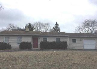 Casa en ejecución hipotecaria in Centereach, NY, 11720,  DORN PL ID: F4528357