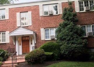 Casa en ejecución hipotecaria in Huntington, NY, 11743,  NATHAN HALE DR ID: F4528651
