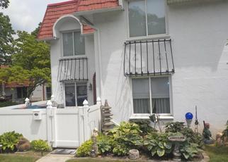 Casa en ejecución hipotecaria in Medford, NY, 11763,  BLUE RIDGE DR ID: F4528743