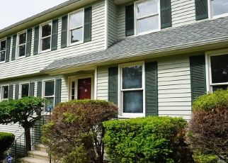 Foreclosure Home in Trumbull, CT, 06611,  KNOLLCREST DR ID: F4529275