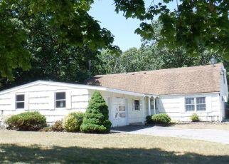 Casa en ejecución hipotecaria in Farmingville, NY, 11738,  WAVERLY AVE ID: F4529304