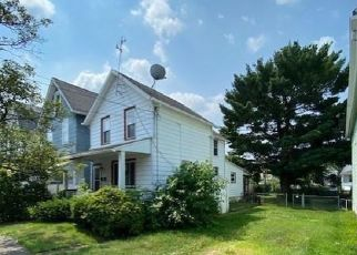 Casa en ejecución hipotecaria in Wilkes Barre, PA, 18702,  MCLEAN ST ID: F4530020
