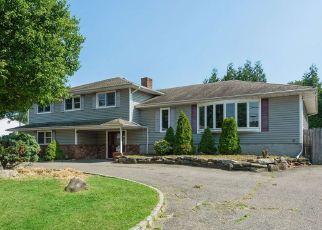 Casa en ejecución hipotecaria in West Babylon, NY, 11704,  VAN BUREN ST ID: F4531756