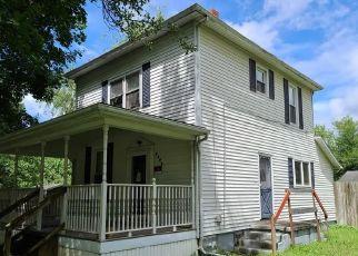 Casa en ejecución hipotecaria in Zanesville, OH, 43701,  WHITMAN AVE ID: F4532444