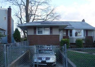 Casa en ejecución hipotecaria in Westbury, NY, 11590,  PARK AVE ID: F4533154
