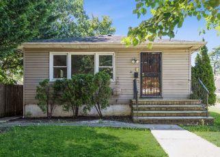 Casa en ejecución hipotecaria in Roosevelt, NY, 11575,  3RD PL ID: F4534024
