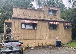 Casa en ejecución hipotecaria in Danbury, CT, 06810, A ROCKY GLEN RD ID: F4534900