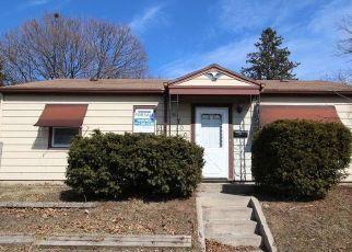 Casa en ejecución hipotecaria in Milwaukee, WI, 53218,  W THURSTON AVE ID: F997492