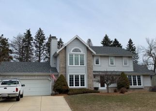 Foreclosed Home en W PINEBERRY RDG, Franklin, WI - 53132