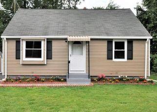 Foreclosed Home en BINGHAM CT, New Britain, CT - 06051